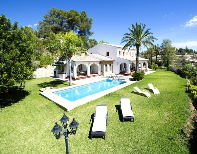 ESTATE OF LUXURY IN BENISSA